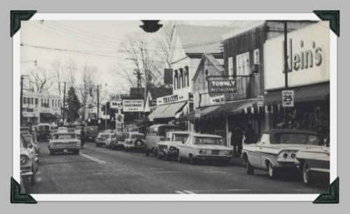 Yep, there was 2-way traffic on Main Street. And Klein's, the Townly Restaurant, and a Mobil station.