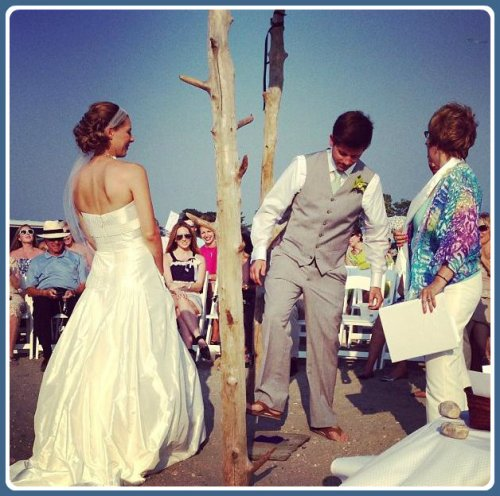 A smashing end to the ceremony: the traditional breaking of the glass. (Photo by Betsy P. Kahn)