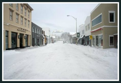 In this scene from last winter, no one had yet cleared the streets -- or sidewalks. (Photo/Katherine Hooper)