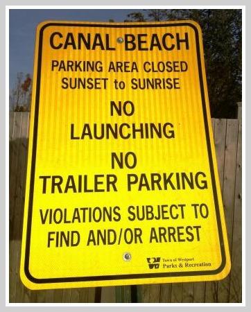 Saugatuck Shores sign