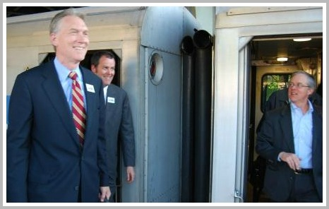 During his 2008 campaign, John Hartwell (left) often met with commuters.