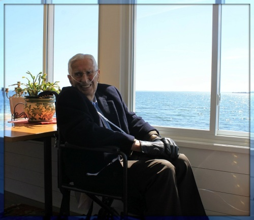 Allen Raymond this afternoon, in the Compo Cove home he has loved for 91 years. (Photo/Scott Smith)