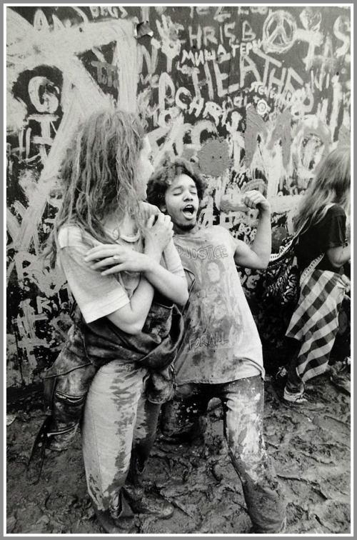 These 2 were waiting for Metallica to perform. The crowd had written things in mud on the barricade. (Photo/JP Vellotti)
