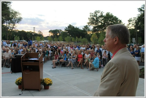 Y CEO Rob Reeves, and  the crowd in the big new parking lot.