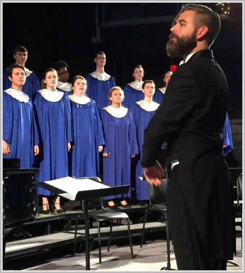 The a cappella choir, directed by Luke Rosenberg. (Photo/Lynn U. Miller)