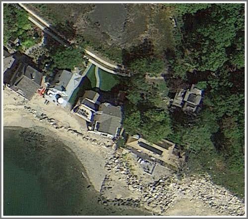The houses that came from the Philippine Exhibit are at the far right in this Google Maps photo. Beyond them (to the right) is Sherwood Island State Park. To the left is the path leading to Old Mill Beach.