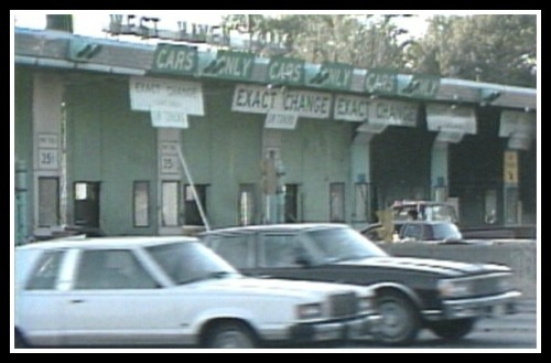 Toll plazas were a familiar scene on I-95 30 years ago. A proposed bill would establish electronic (E-Z Pass) tolls.