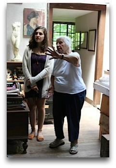 Sculptor Lucia White shows Grace Kosner around her studio. (Photo/Carolyn Malkin)