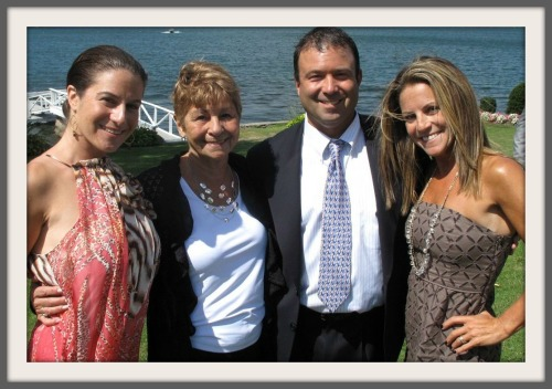 Jimmy Izzo, his mother and sisters.