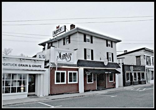 Mario's, the day after closing. (Photo/Gene Borio)