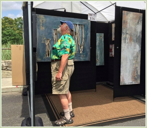 Scores of artists invited art-lovers to admire their works.
