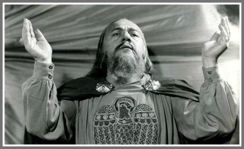 Alexander Kipnis in the Metropolitan Opera's production of