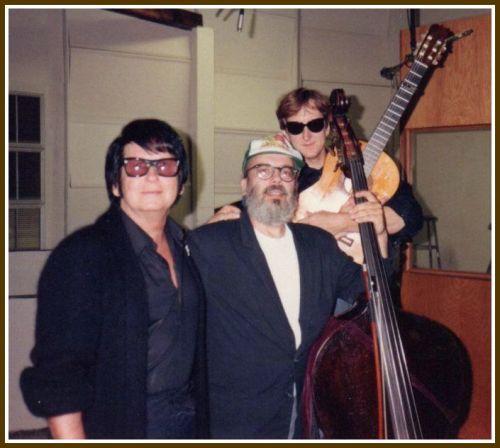 Buell Neidlinger (center), flanked by Roy Orbison and T Bone Burnett.
