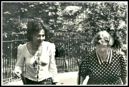 Dana Raphael and Margaret Mead, in an undated photo from the New York Times.