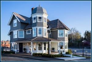 Serena & Lily -- the former Kemper-Gunn House -- now open on Elm Street.