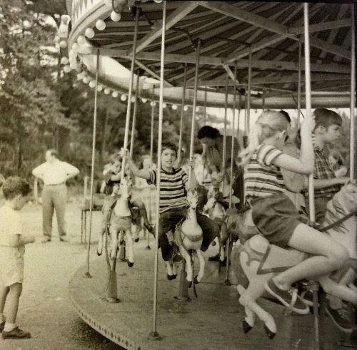 A classic Ferris wheel.