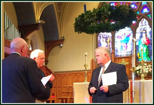 Rev. Peter Powell before the funeral, flanked by 1st Selectman Jim Marpe and Rev. Jeffrey Ryder of Green's Farms Congregational Church.
