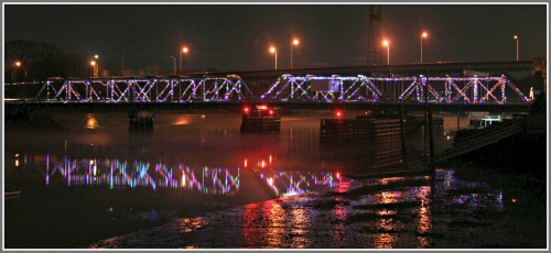 The William Cribari (Saugatuck River) Bridge, Christmas Eve 2015. (Photo/Wendy Crowther)